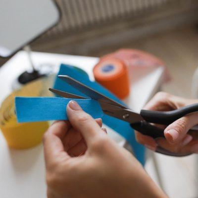 Ножницы для резки тейпов FysioTape Софт-тач